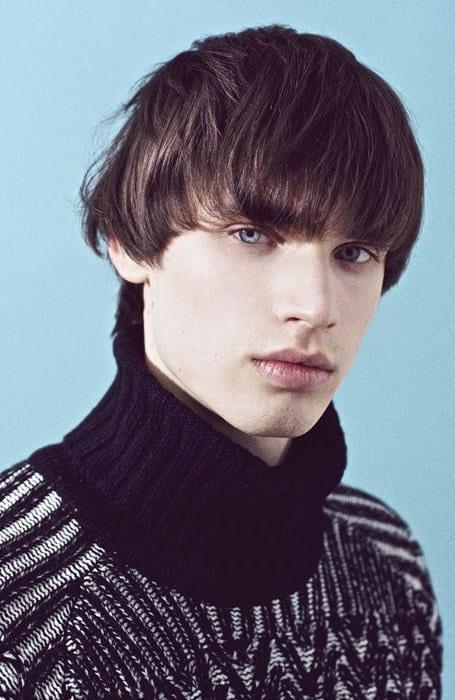 http://www.style-hair-magazine.com/image-files/large-bangs-27.jpg